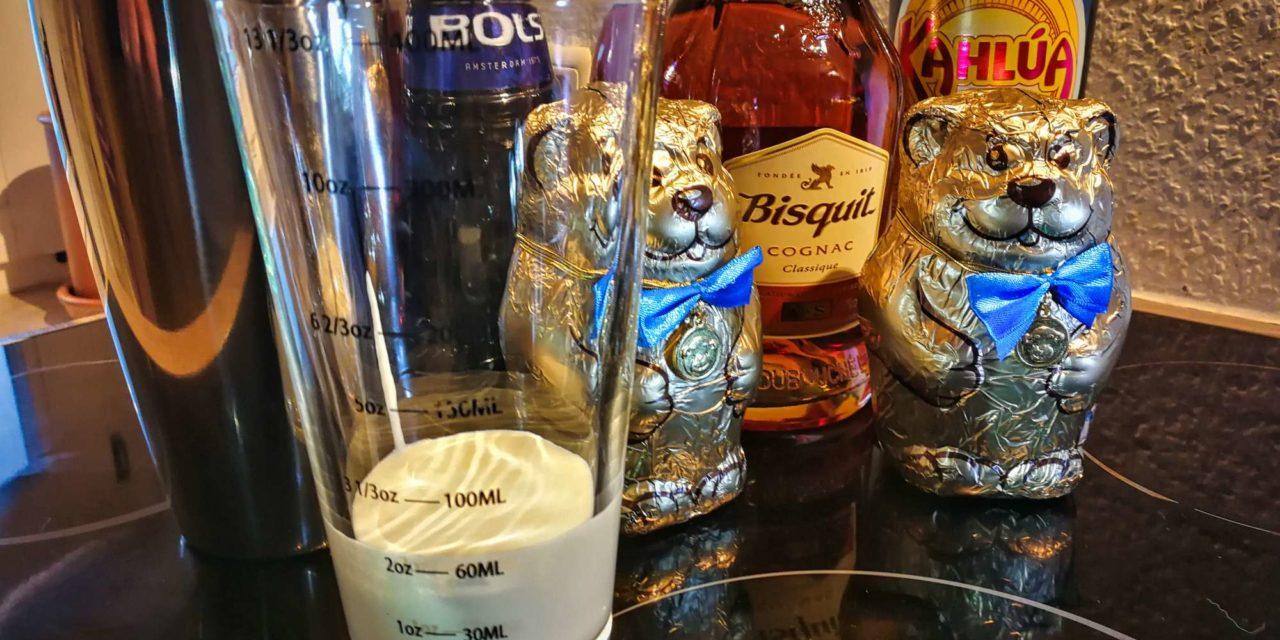 Wie man Schokobären mit Cognac abfüllt.